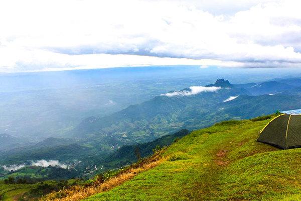 Pausa invernale Con la nebbia a Phu Thap Boek